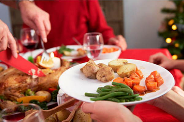 Final de ano, férias, festas de Natal, Ano Novo… tudo é alegria – mas e a dieta? Saiba como enfrentar as tentações e manter a sua dieta em dia.